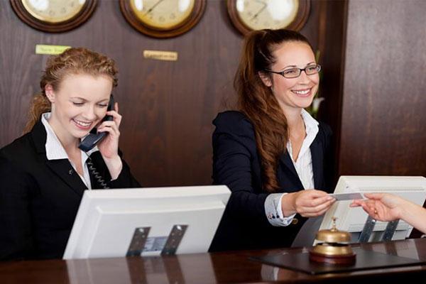 Administrator v hotelierstvoto